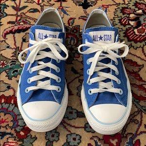 Converse women's sneakers!
